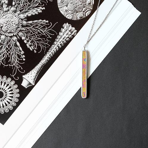 Кулон палочка из стекла с цветным отливом