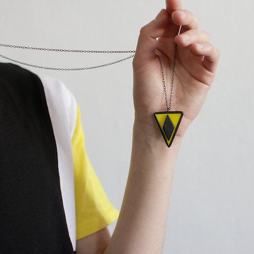 Кулон ромб в треугольнике