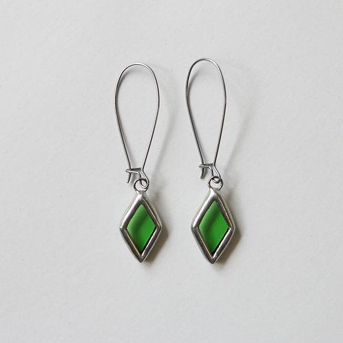 Серьги ромбики из зеленого стекла