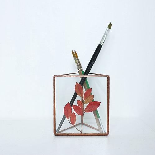 Карандашница с гербарием