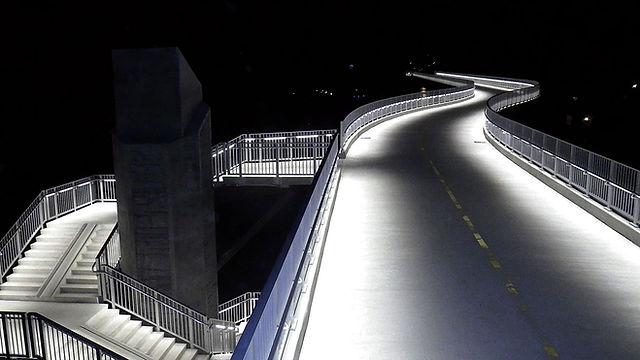 Illuminated handrail 1.jpg