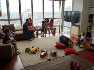 É possível viver em um apartamento de 2 dorm com 5 crianças?