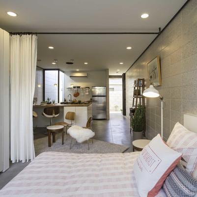 Simplicidade e charme em pequeno condomínio