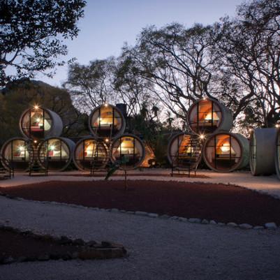 Quartos de hotel em tubos de cimento