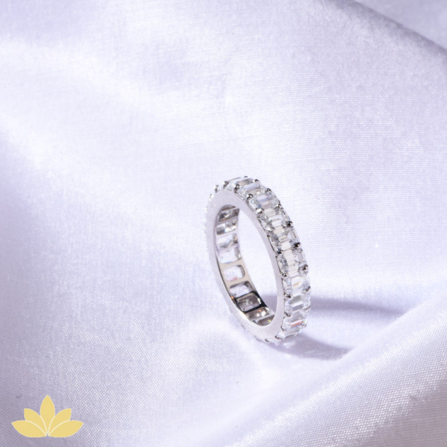 R030 - Baguette Stone Ring Band