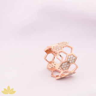 R031 - Honeycomb Ring Band