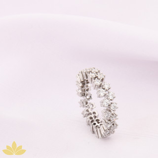 R027 - Alternating Round Stone Ring Band