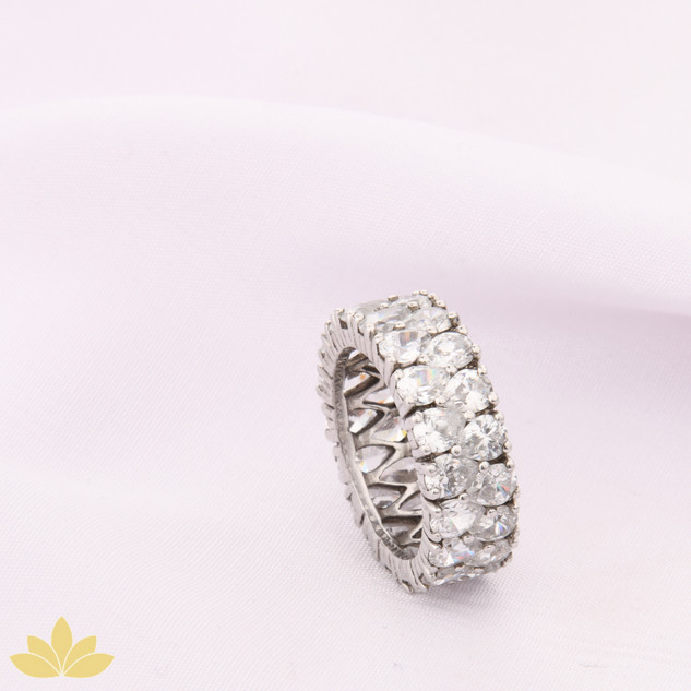 R032 - Drop Stone Ring Band