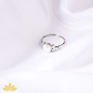 R016 - Pearl Ring