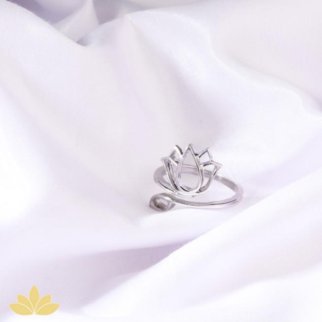 R001 - Lotus Ring