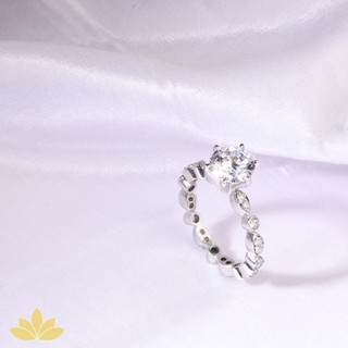 R023 - Mixed Stone Band with Solitaire