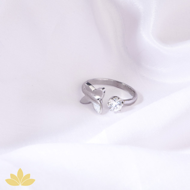 R008 - Butterfly Ring