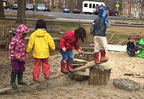 kindergarten-students-explore-nature-woos