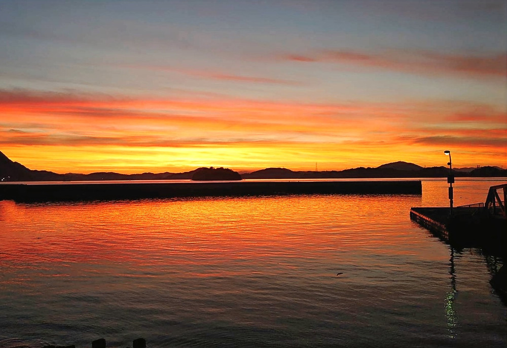 小佐木島から見える朝焼け
