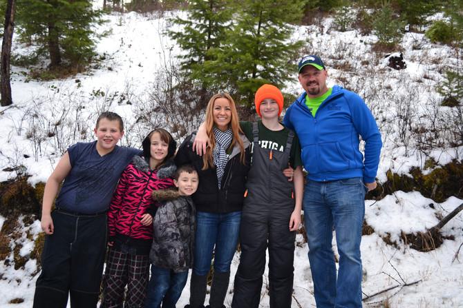 Reserve your Christmas tree adventure
