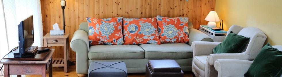 1. Livingroom.jpg