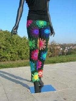 circle motif pants