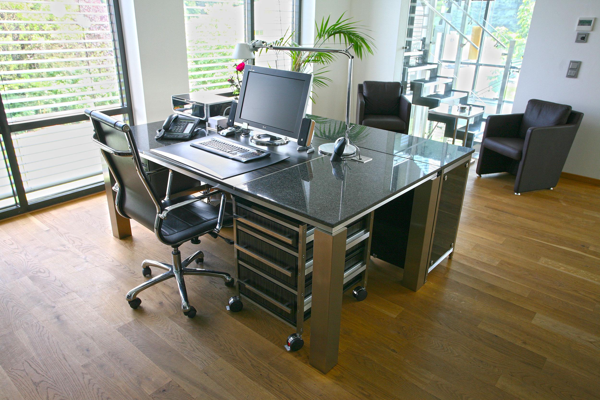 MW Interior Büroschreibtisch