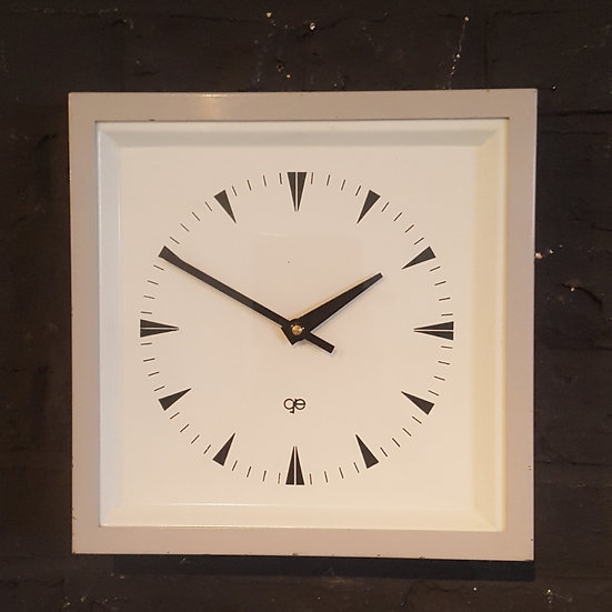 609 - STYLISH FRENCH WALL / TABLE CLOCK