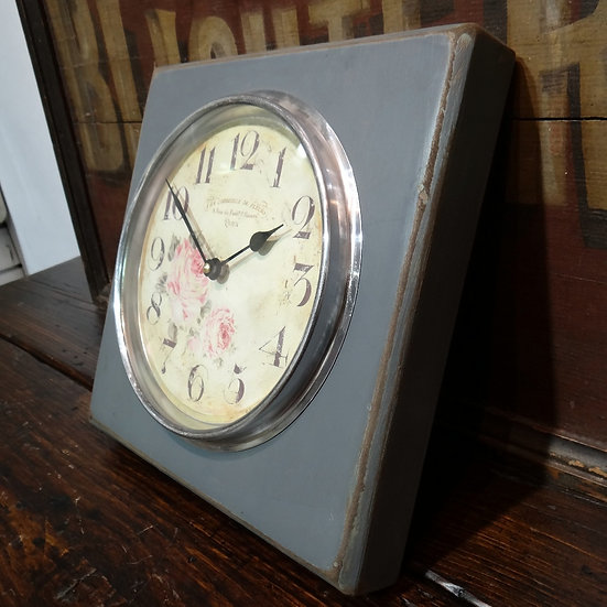 476 Romantic French Wall Clock