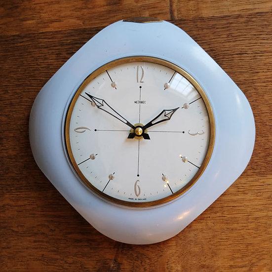 341-Attractive Bakelite Wall Clock