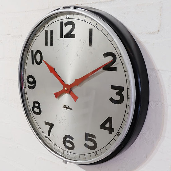 379-Typical Retro wall clock
