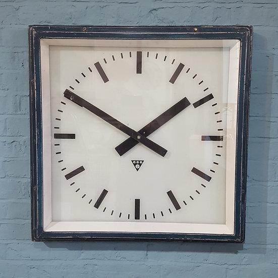 673 Large Clock