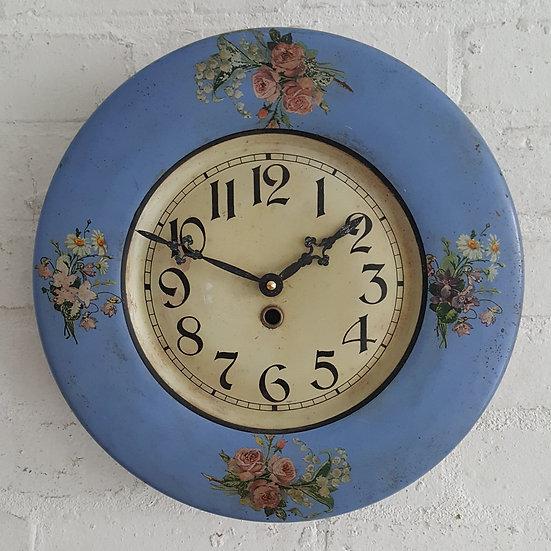 532-1930's Tin Clock
