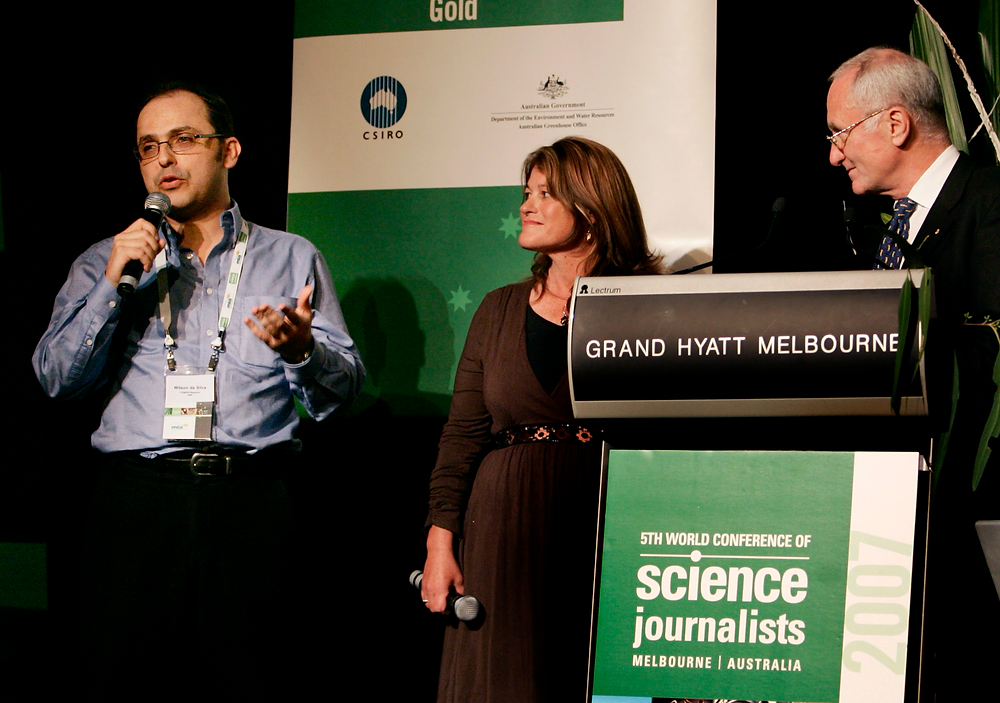 Outgoing WFSJ president Wilson da Silva speaking at the World Conference of Science Journalists in Melbourne.