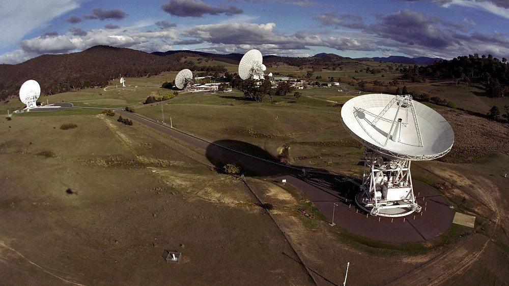 The DSS43 antenna transmitted the 26,000 messages to Gliese 581d