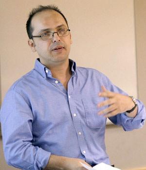 Wilson da Silva addresses UW students Tuesday