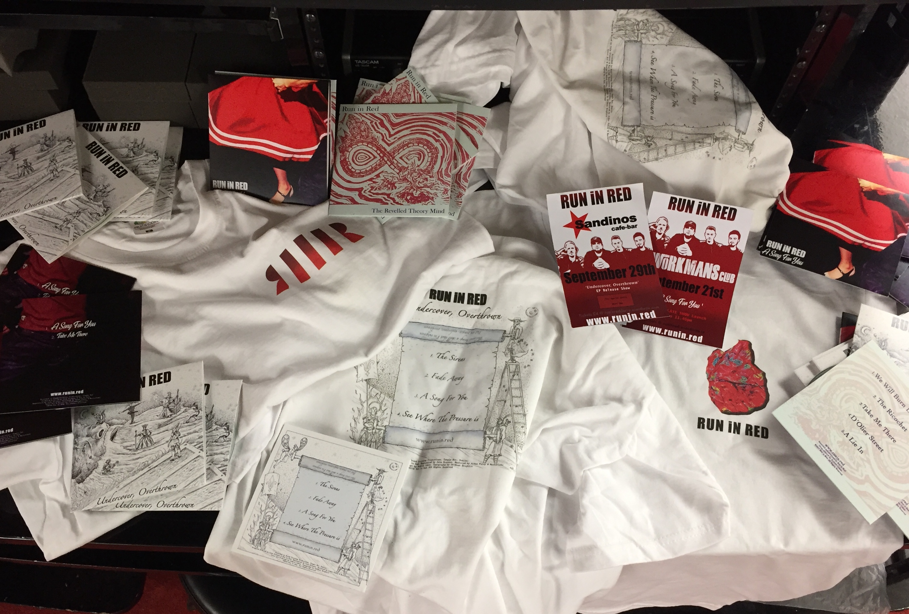 RUN iN RED Merchandise