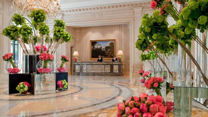 Paris, France: Four Seasons Hotel George V