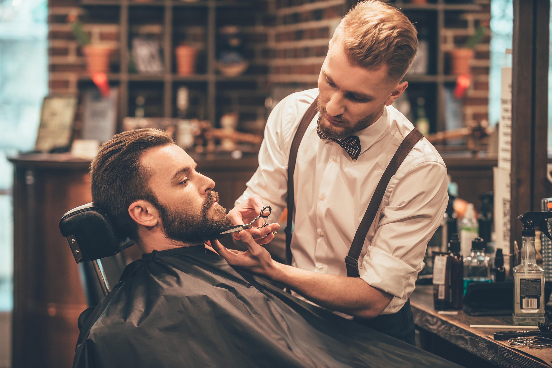 Coupe Hommes +  Traçage de barbe