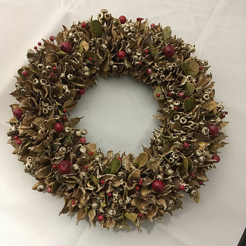 Berries and leaves wreath