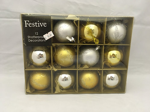 Gold and silver sparkly tree baubles