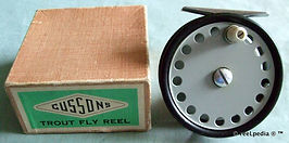 2-  CUSSONS Standard Fly fishing vintage