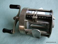 HANDLEY Model 'B' vintage fishing reel - Level wind view