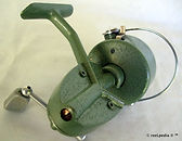 3- HUME L H wind vintage spinning fishin