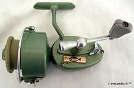 2- HUME L H wind vintage spinning fishin