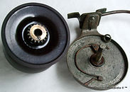 5-  DUX Standard side cast reel internal