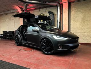 Tesla Model X - Carwrap Deep Matte Black + Carbon details