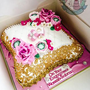 Floral Pillow Cake.