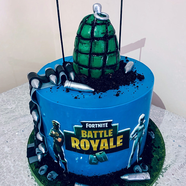 Fortnite Battle Royal Cake.