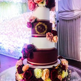 Maroon & Pink Wedding Cake.