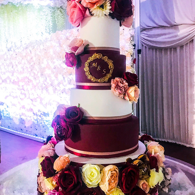 Maroon & Pink Wedding Cake.