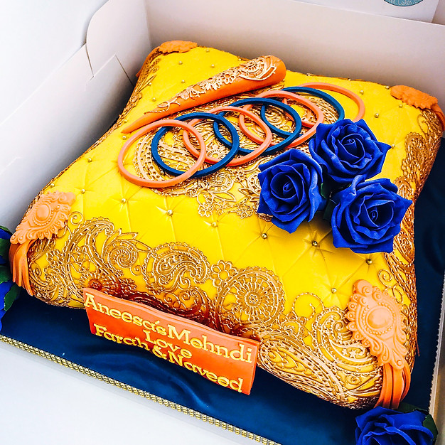 Henna Pillow Cake.