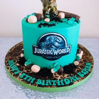 Jurassic World Cake.