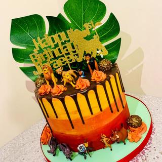 Lion King Drip Cake.