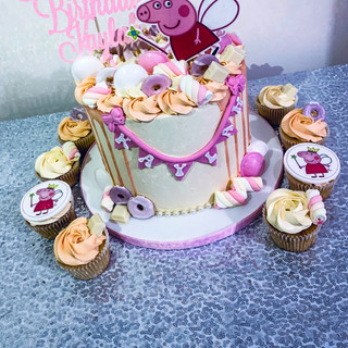 Peppa Pig Cake and Cupcakes.